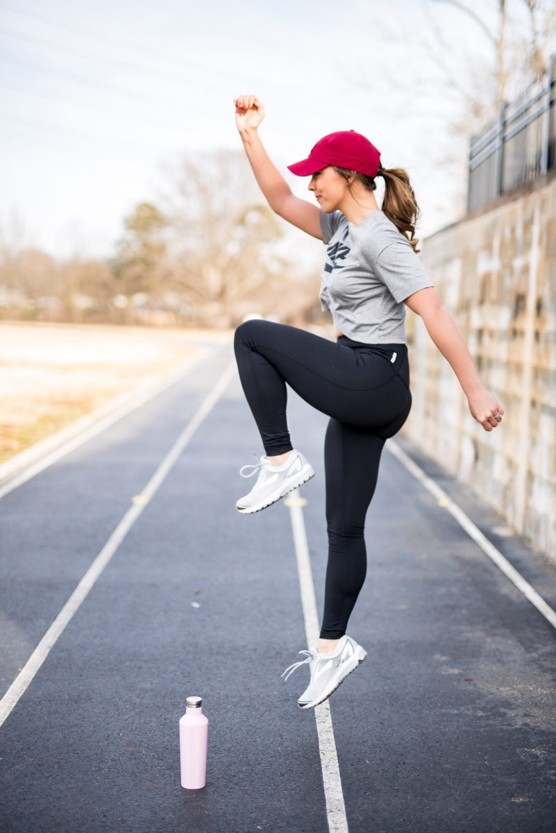 how to commit to personal wellness workout wear fitness fashion nike crop top nordstrom zella leggings la dodgers hat best workout gear fitness tips how to commit to health how to commit to fitness fashion blogger fitness tips