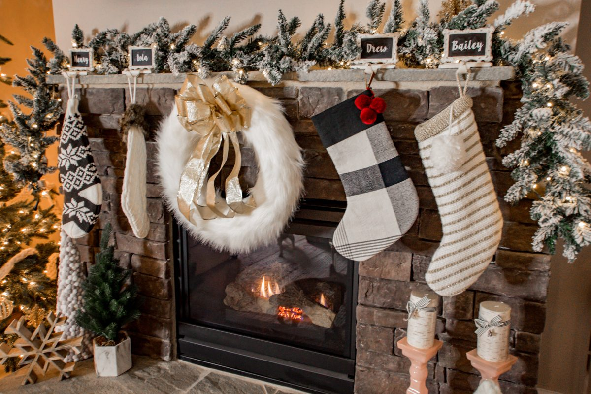 holiday home tour Christmas decor blogger home tour Bailey Schwartz home tour Christmas home decor how to decorate for Christmas cozy Christmas decor cozy holiday decor holiday home reveal